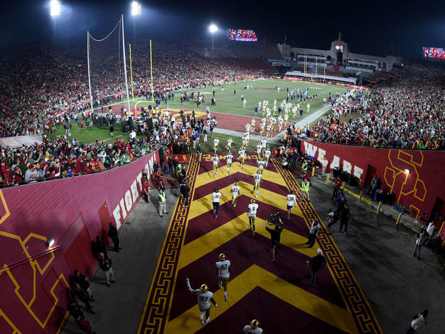 United Airlines Usc Agree To Modify La Coliseum Naming Deal