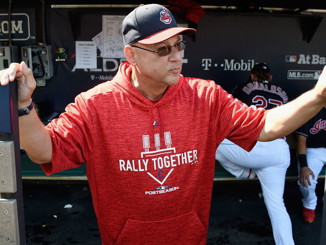 Indians sign Francona to 2-year extension through 2022