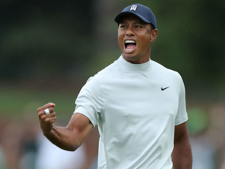 Tiger fires electrifying 4-under 68 to sit 1 back at the Masters
