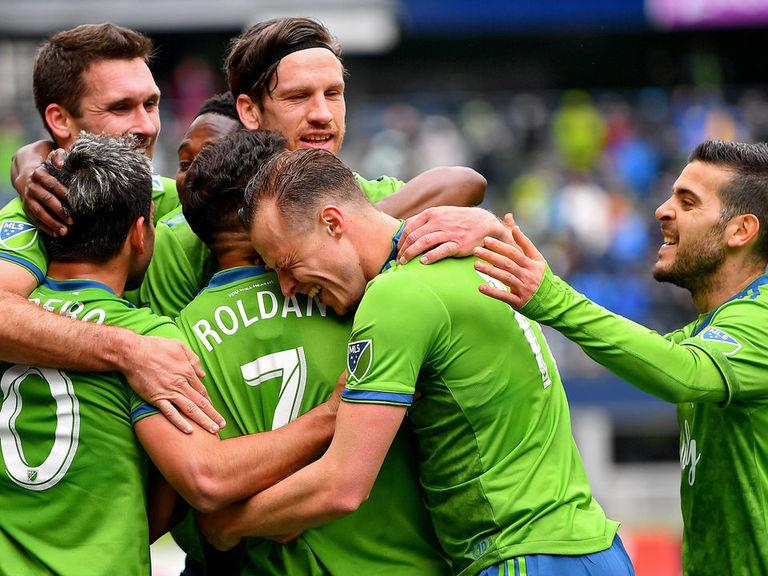Morris scores hat-trick as Seattle edges FC Dallas in 7-goal thriller
