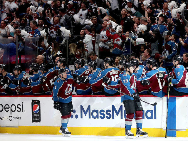 Mackinnon Avalanche Dominate Flames To Take 2 1 Series Lead