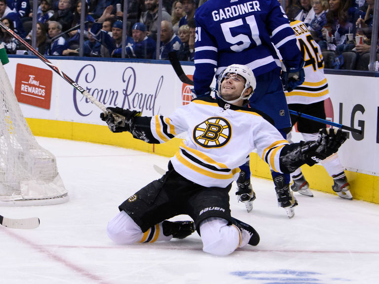Bruins pounce on sleeping Leafs, and now Game 7 demons loom
