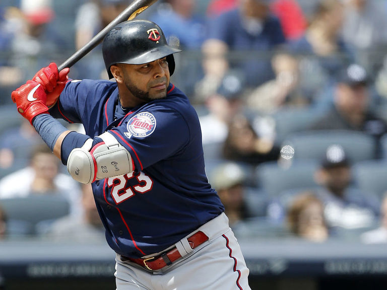 Report: Twins to exercise Cruz's $12M option