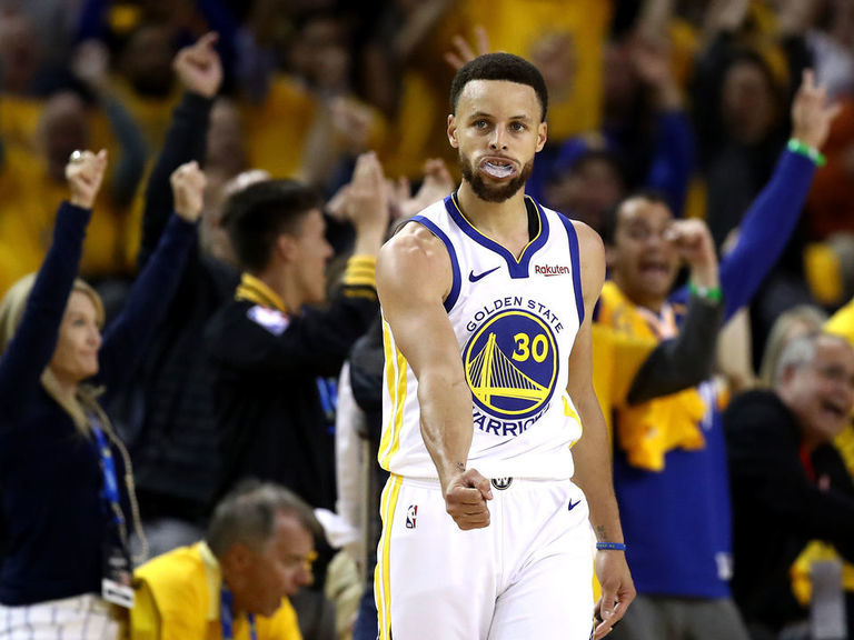 edfbb9d83f15 Durant-less Warriors ride Curry s hot hand to Game 1 victory ...