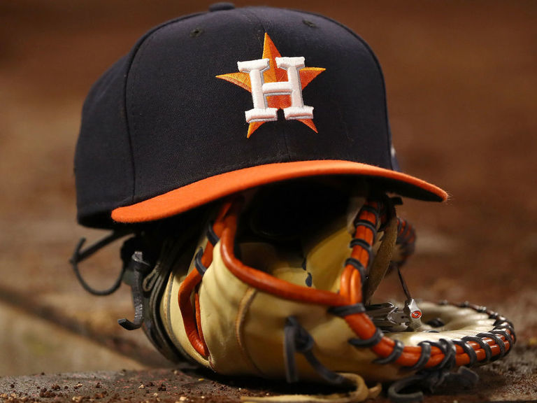 Report: Astros exec recommended scouts use cameras to steal signs in 2