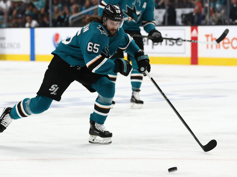 Sharks' Karlsson, Hertl won't play in Game 6