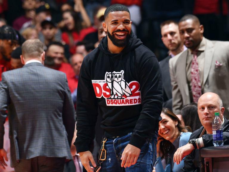 Budenholzer: 'No place for' Drake's courtside shenanigans