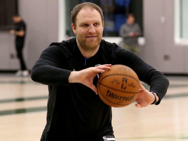 Report: Grizzlies interview Bucks assistant Taylor Jenkins