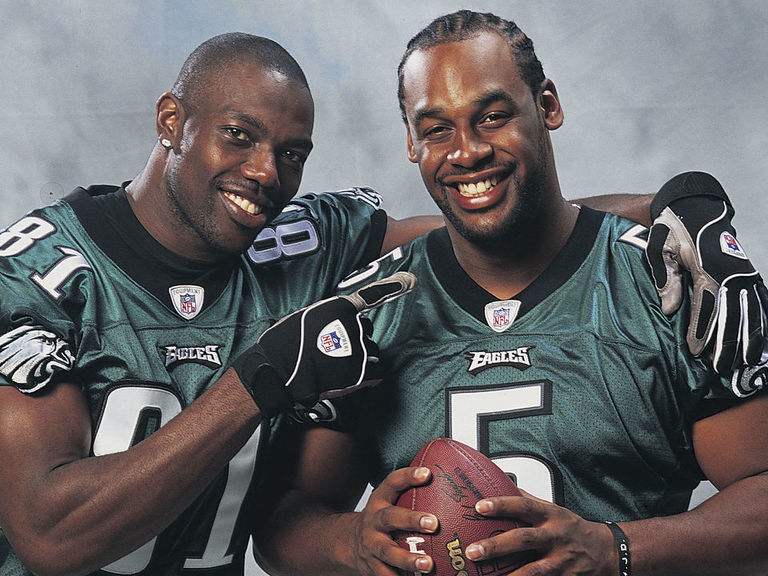 T.O. fires back after McNabb blames him for breaking up Eagles