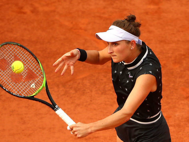 Vondrousova beats Martic to advance to semifinals at French Open