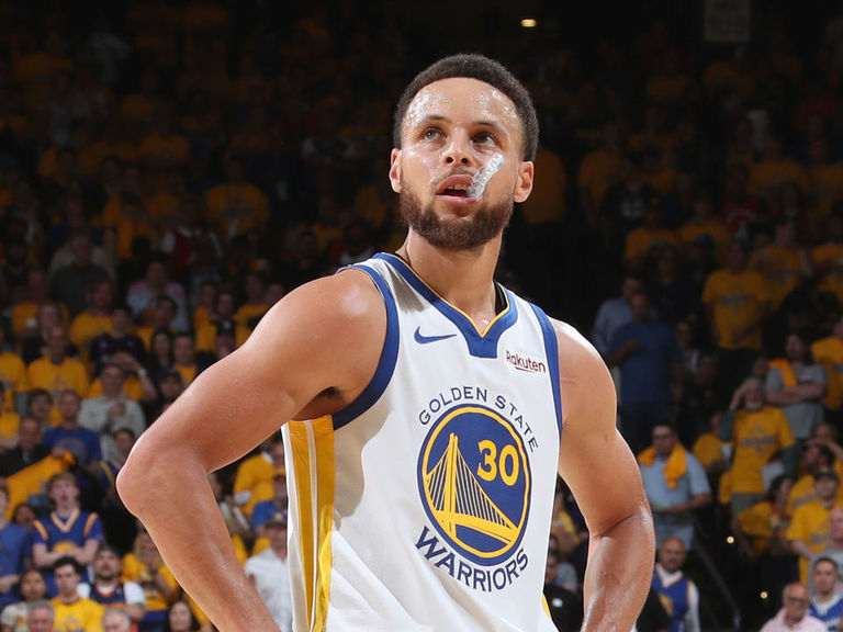 MJ says Curry 'not a Hall of Famer yet'
