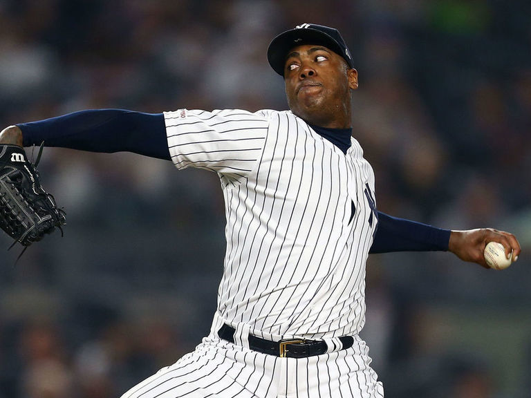 Chapman staying with Yankees on reported new deal to avoid opt-out