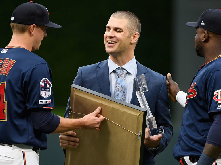 Twins officially retire Mauer's No. 7