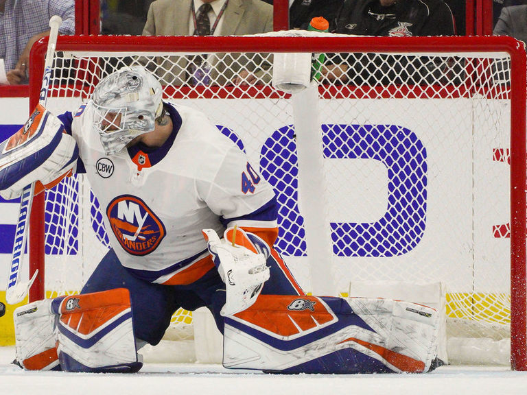 Lehner wants to re-sign with Islanders