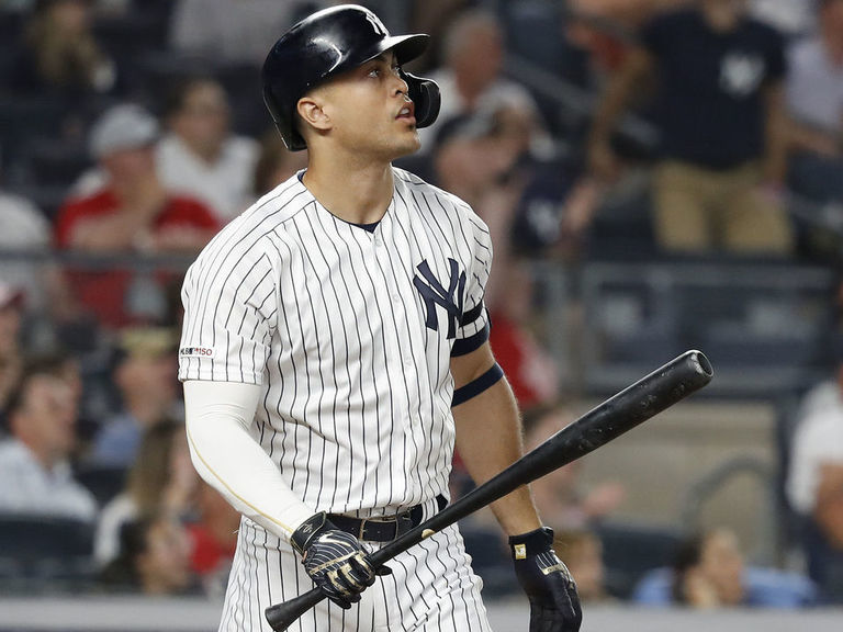 Yankees' Stanton lands back on IL with right knee sprain