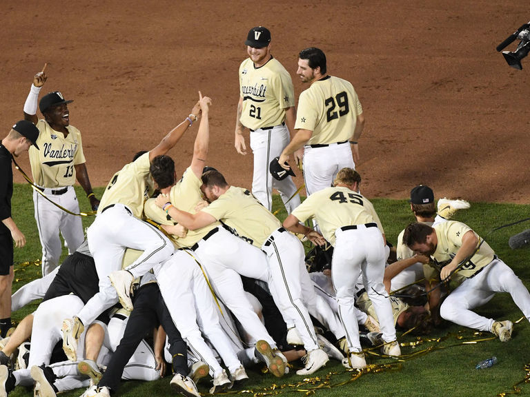 Vanderbilt beats Michigan in winner-take-all Game 3 to claim CWS title