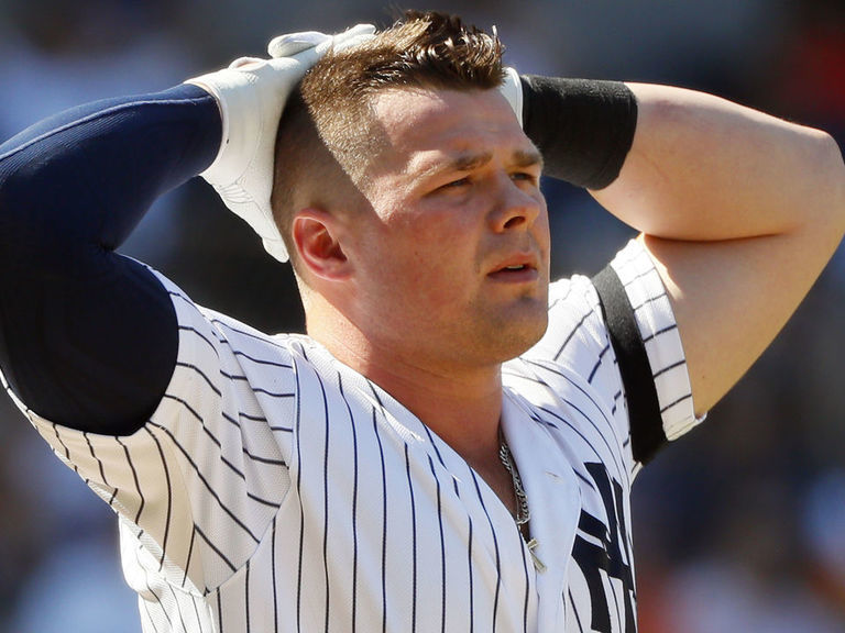 Voit leaves London Series game with core muscle injury