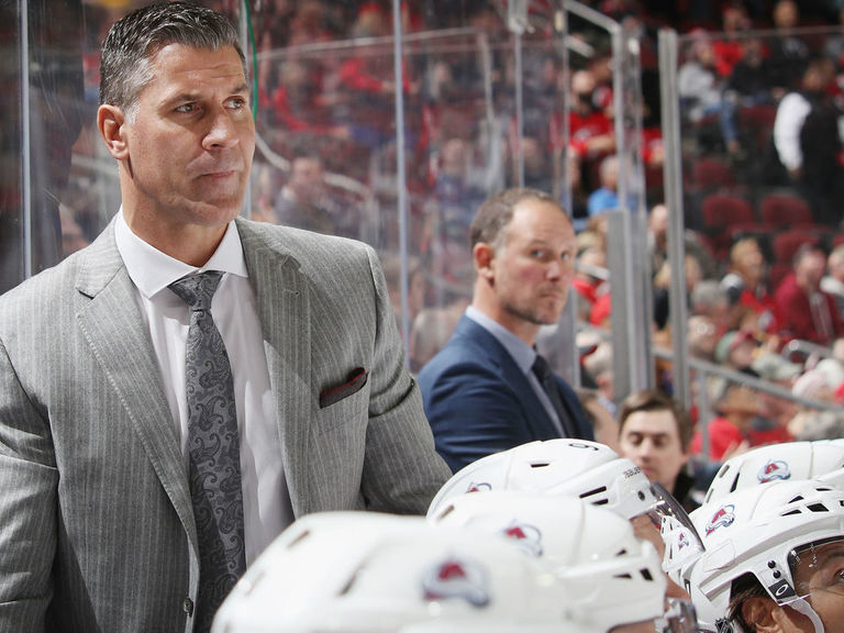 Avalanche ink head coach Bednar to 2-year extension