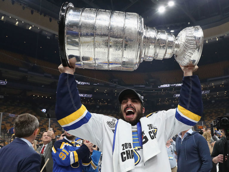 Blues sign Fabbri to 1-year deal