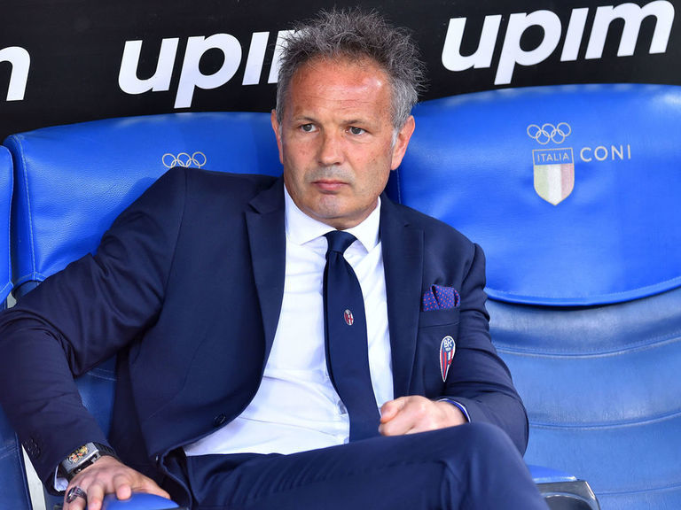 Mihajlovic to stay and 'fight' at Bologna after leukemia diagnosis