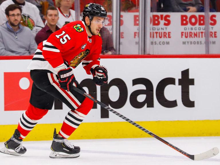 Blackhawks trade Anisimov to Senators for Smith
