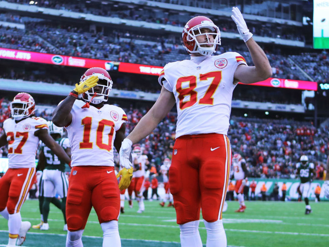 Kelce excited for Hill