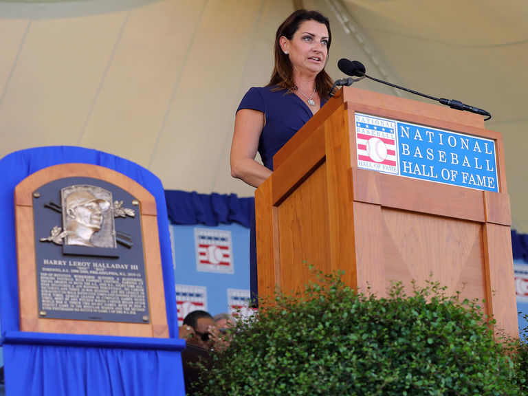 Baseball HOF induction roundup: Plaques, speeches from class of 2019