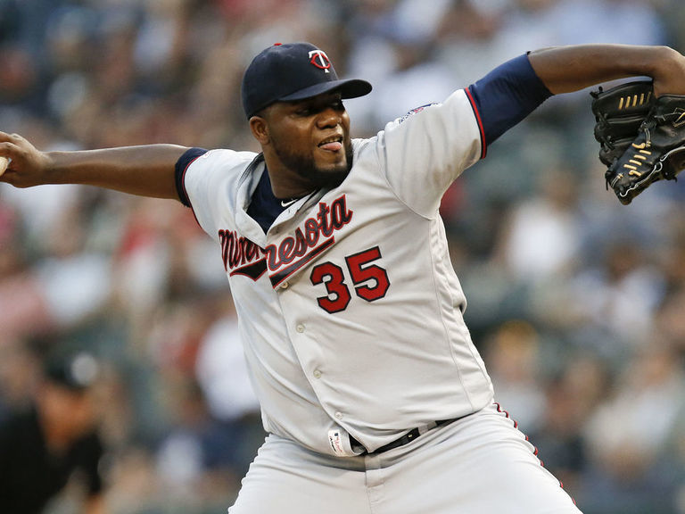 Report: Pineda rejoining Twins on 2-year, $20M deal