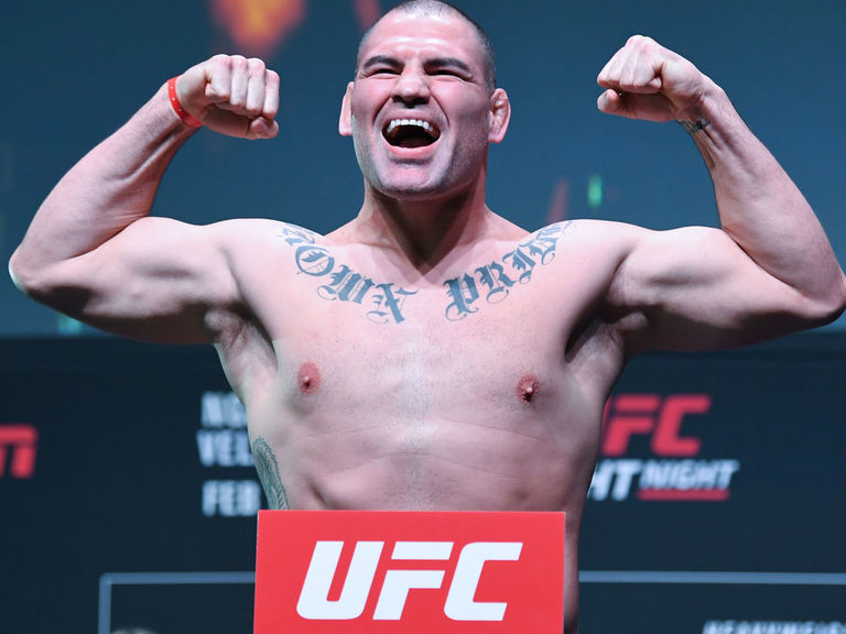 Report: Cain Velasquez retires from MMA, joins WWE