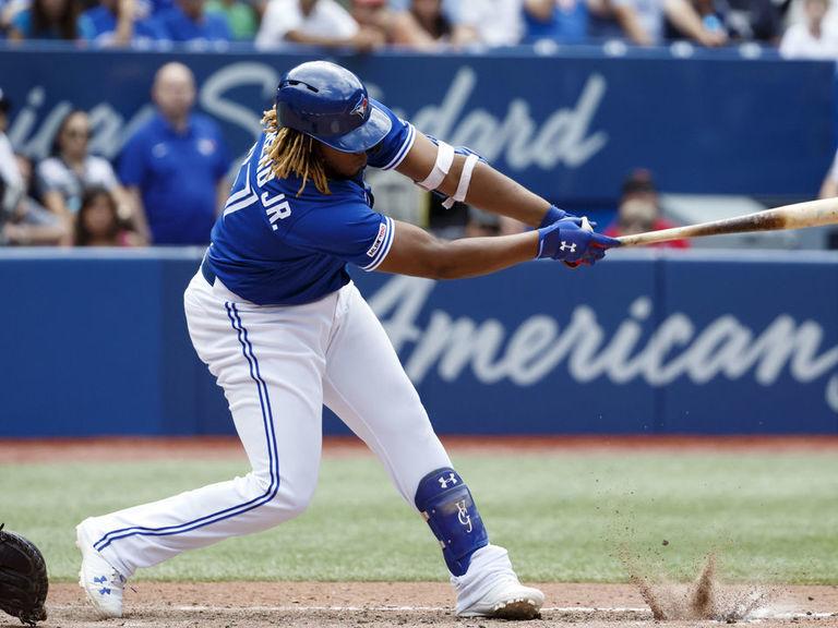 Chapman-Vlad Jr. 13-pitch battle leaves Blue Jays, Yankees in awe