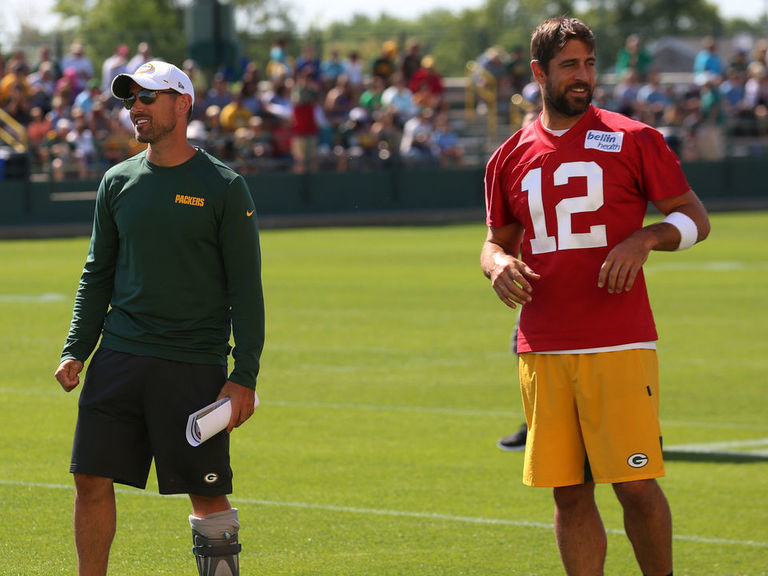 Rodgers calls coverage of relationship with LaFleur 'fake news'