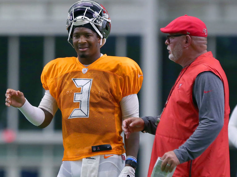 Arians still confident in Winston, not considering change at QB