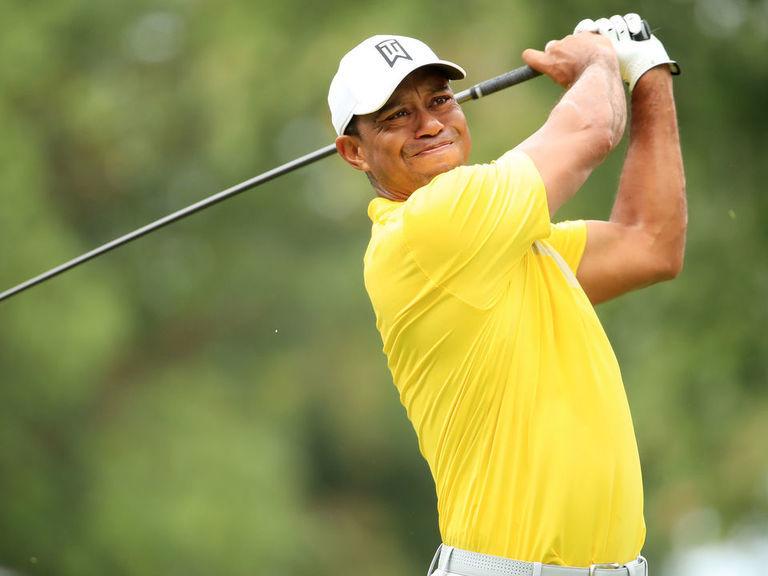 Tiger posts bogey-free 67 to keep Tour Championship hopes alive