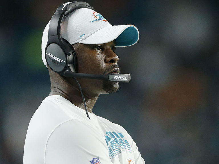 Dolphins' Flores defends decision to play Jay-Z songs, relates to prot