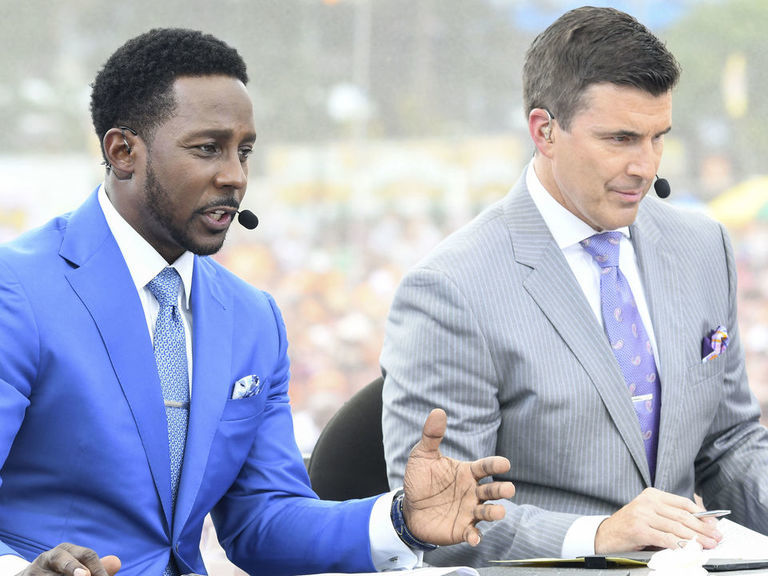 Desmond Howard makes 'choke a b----' joke on air, at Disney World