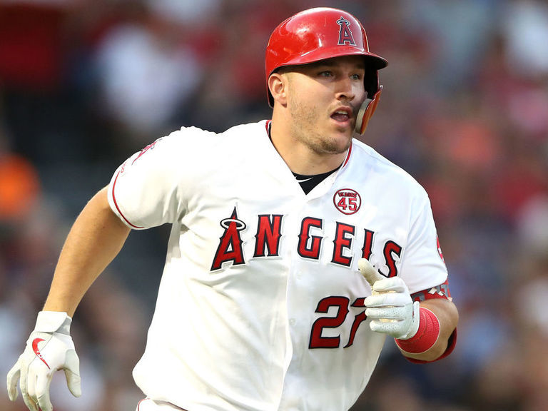 Trout becomes youngest player to record 200 HR, 200 SB