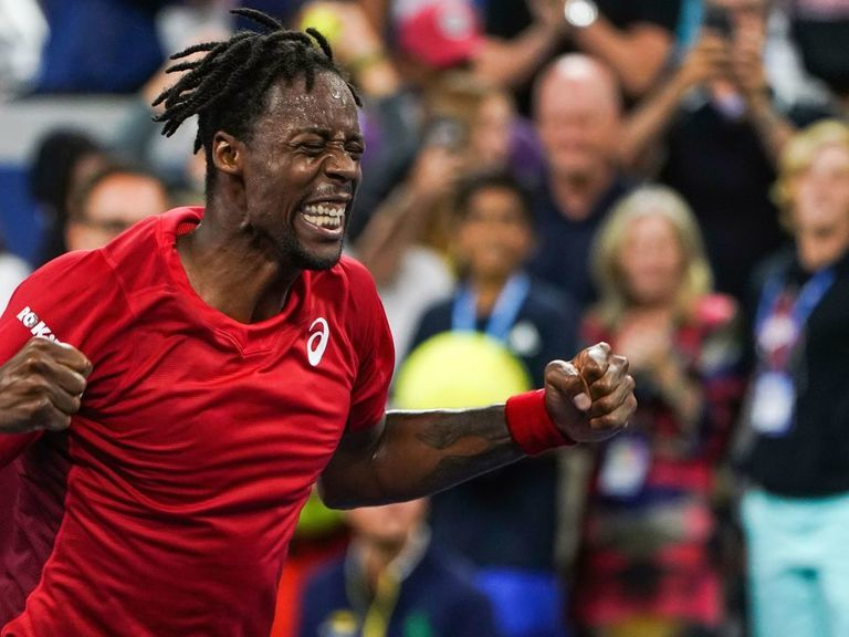 Monfils into round of 16 after outlasting Shapovalov