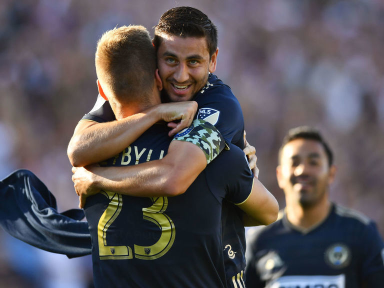 Union outlast Red Bulls in wild affair to claim 1st playoff win