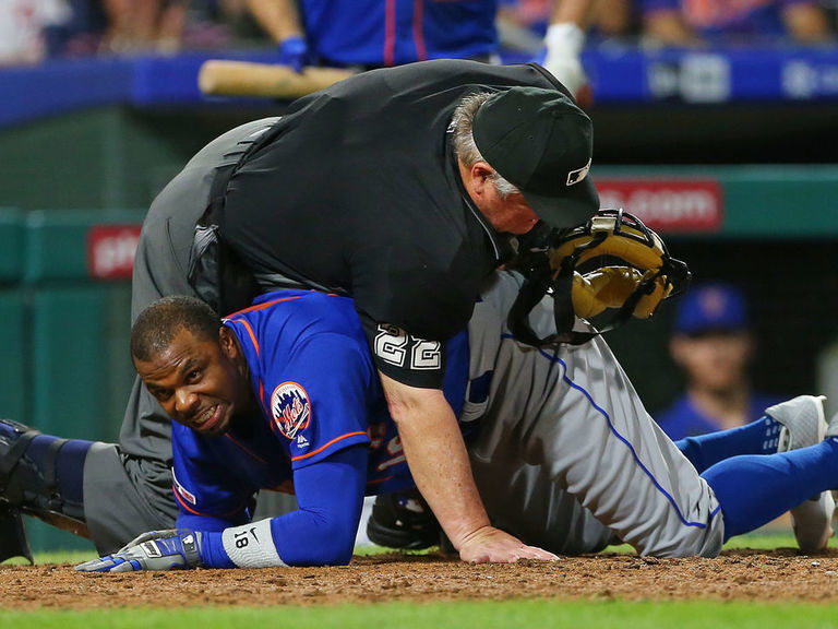 Watch: Umpire Joe West accidentally falls on Mets' Davis