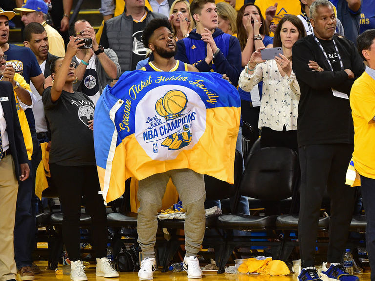 Baseline seats for Warriors' Chase Center opener listed for $24K each