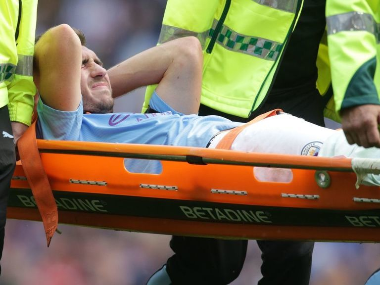 Guardiola confirms Laporte will miss 5-6 months after knee surgery