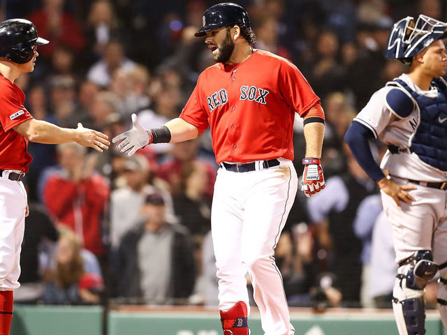 Moreland's 3-run HR lifts Red Sox to much-needed win over