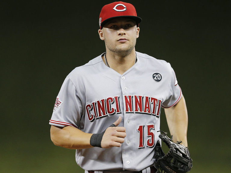 Reds' Senzel out for season with torn labrum