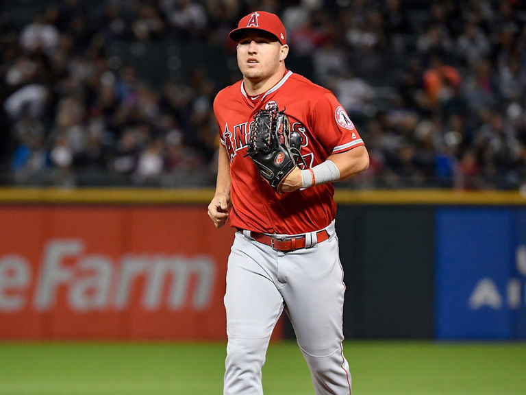 Trout scratched from Angels' lineup after expected return