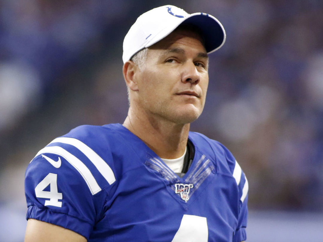 Report: Vinatieri leaning toward retirement amid kicking woes