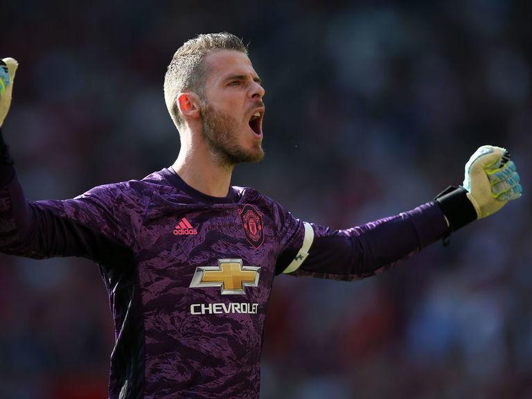 De Gea extends Manchester United contract until 2023