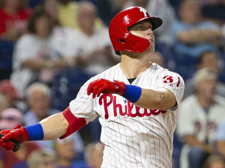 Phillies lose Dickerson for season with fractured foot