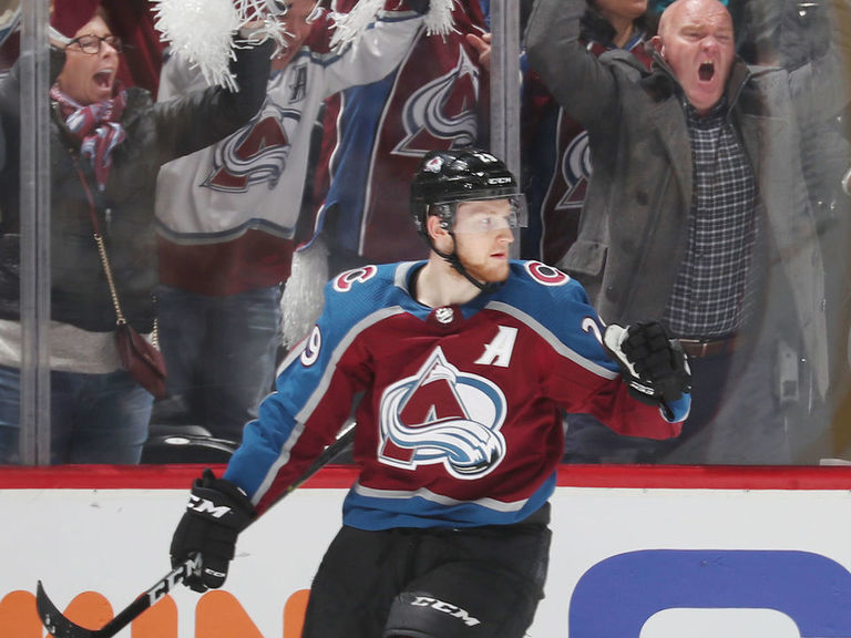 MacKinnon in lineup vs. Panthers