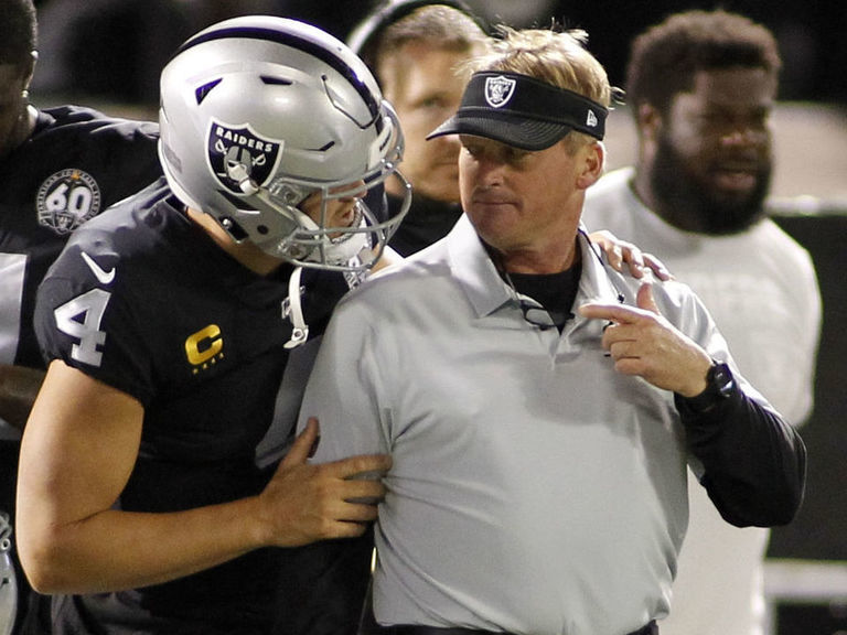 Raiders' Gruden 'anxious to continue to build around' Derek Carr