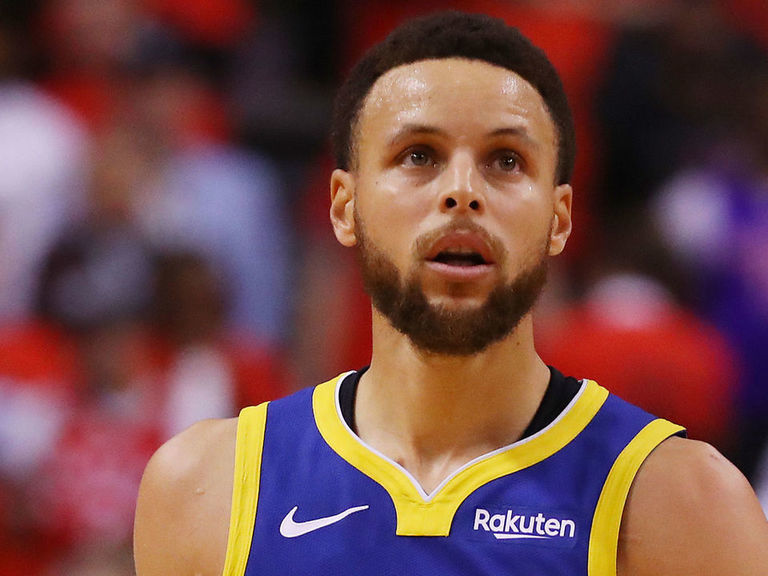 Kerr expects usual greatness from Curry: 'He's at his peak'